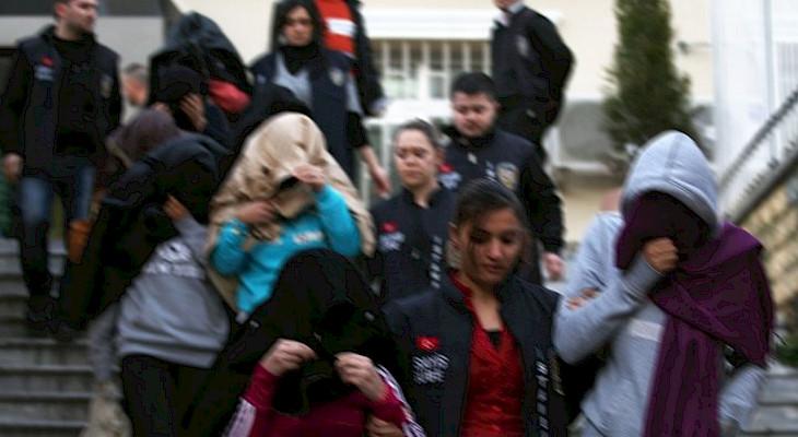 В Стамбуле выявили 35 секс-рабынь из Кыргызстана. Результат любви в сети с турками